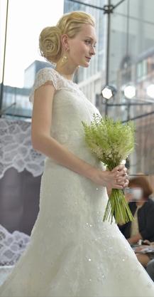 キャロリーナヘレナ ウェディングドレス