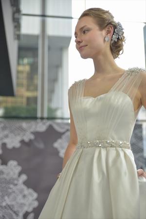 ミラ・ズウィリンガー ウェディングドレス